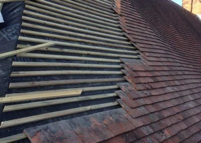 roof-tiles-on-wooden-battens